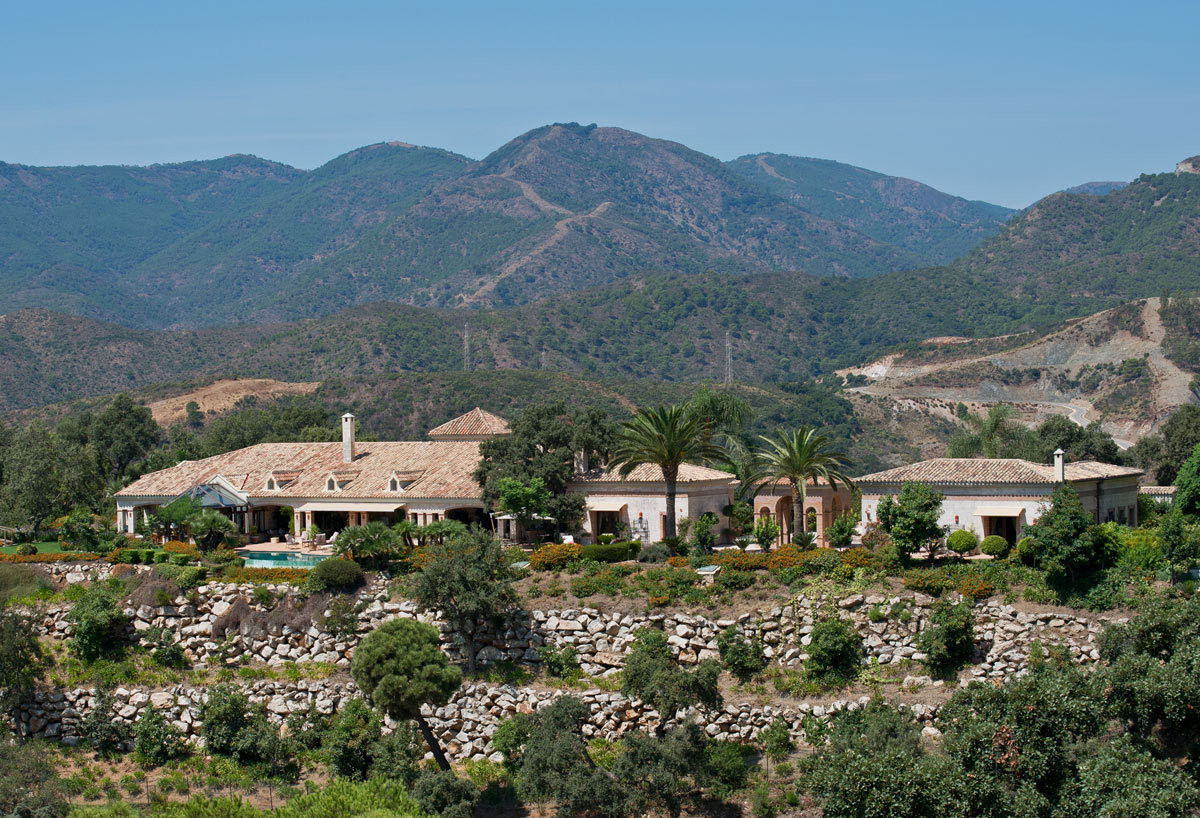 Luxury 5 bed villa near Malaga with stunning views