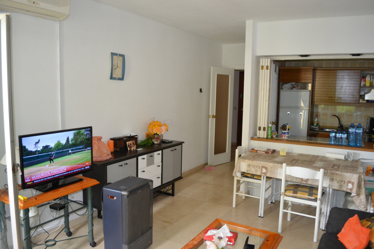 Modern apartment close to the Estepona Marina