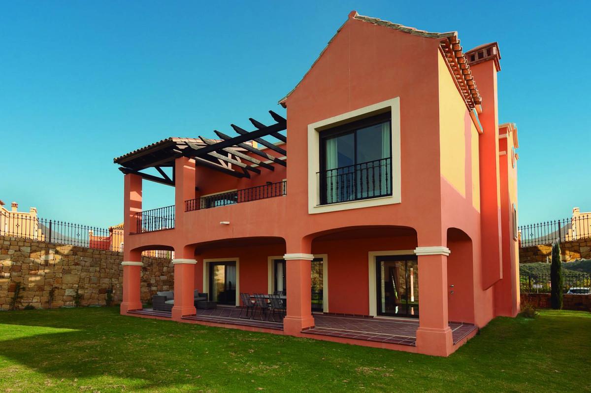 Stylish property - sun, sea and golf