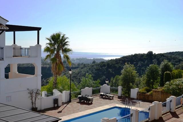 2 bed duplex near world famous Marbella