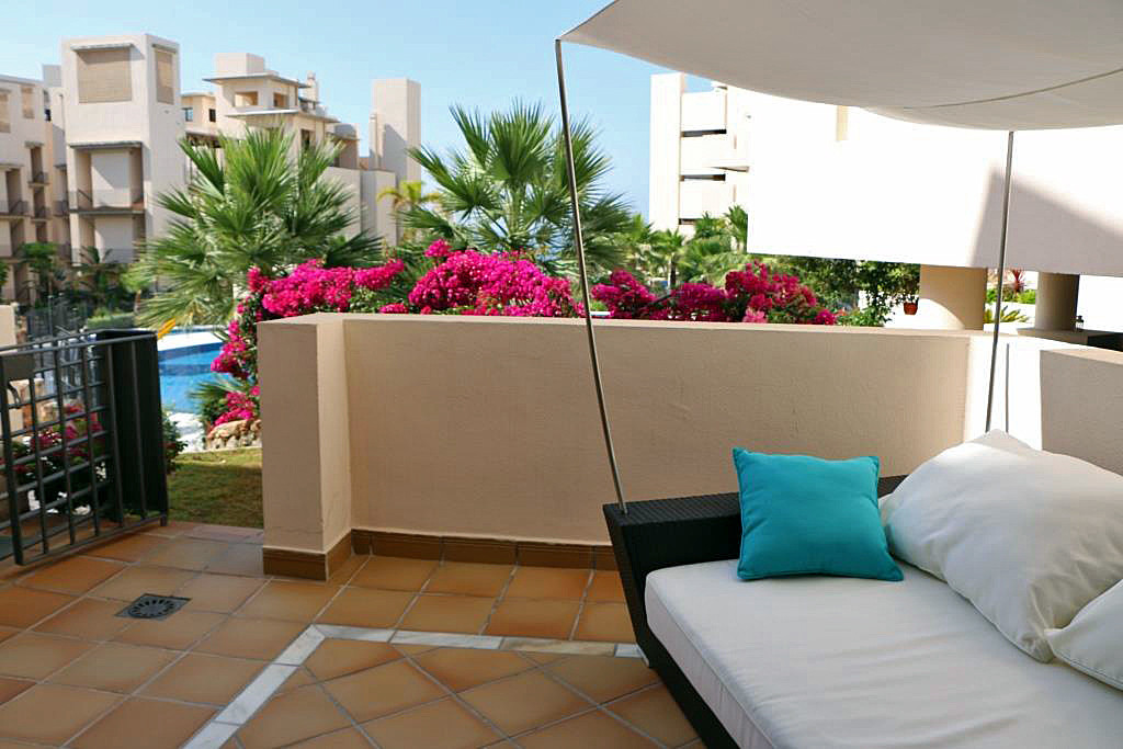 PHOTOS USED ARE OF THE ACTUAL APARTMENT  Exclusive apartment built and equipped with top quality mat,Spain
