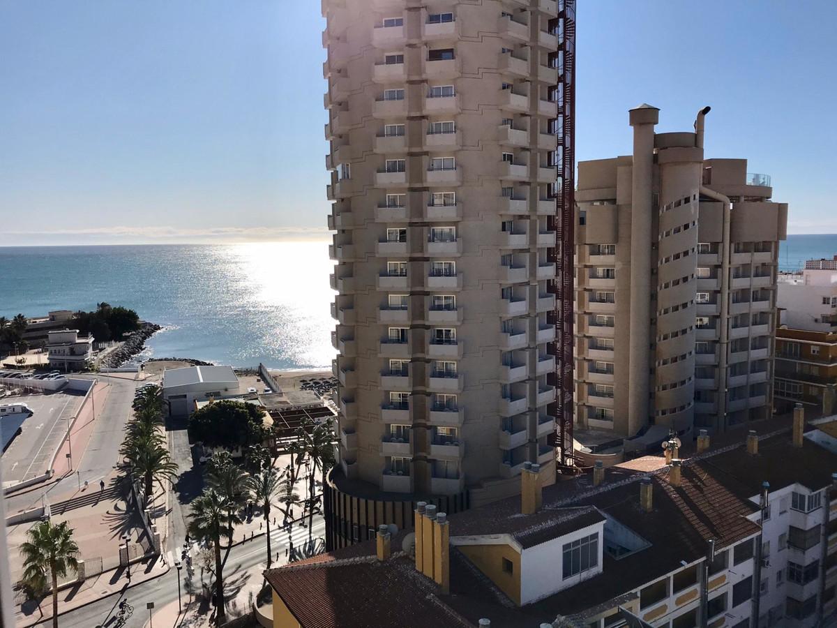 Middle Floor Studio, Fuengirola, Costa del Sol. Built 24 m².  Setting : Town, Commercial Area, Beach,Spain