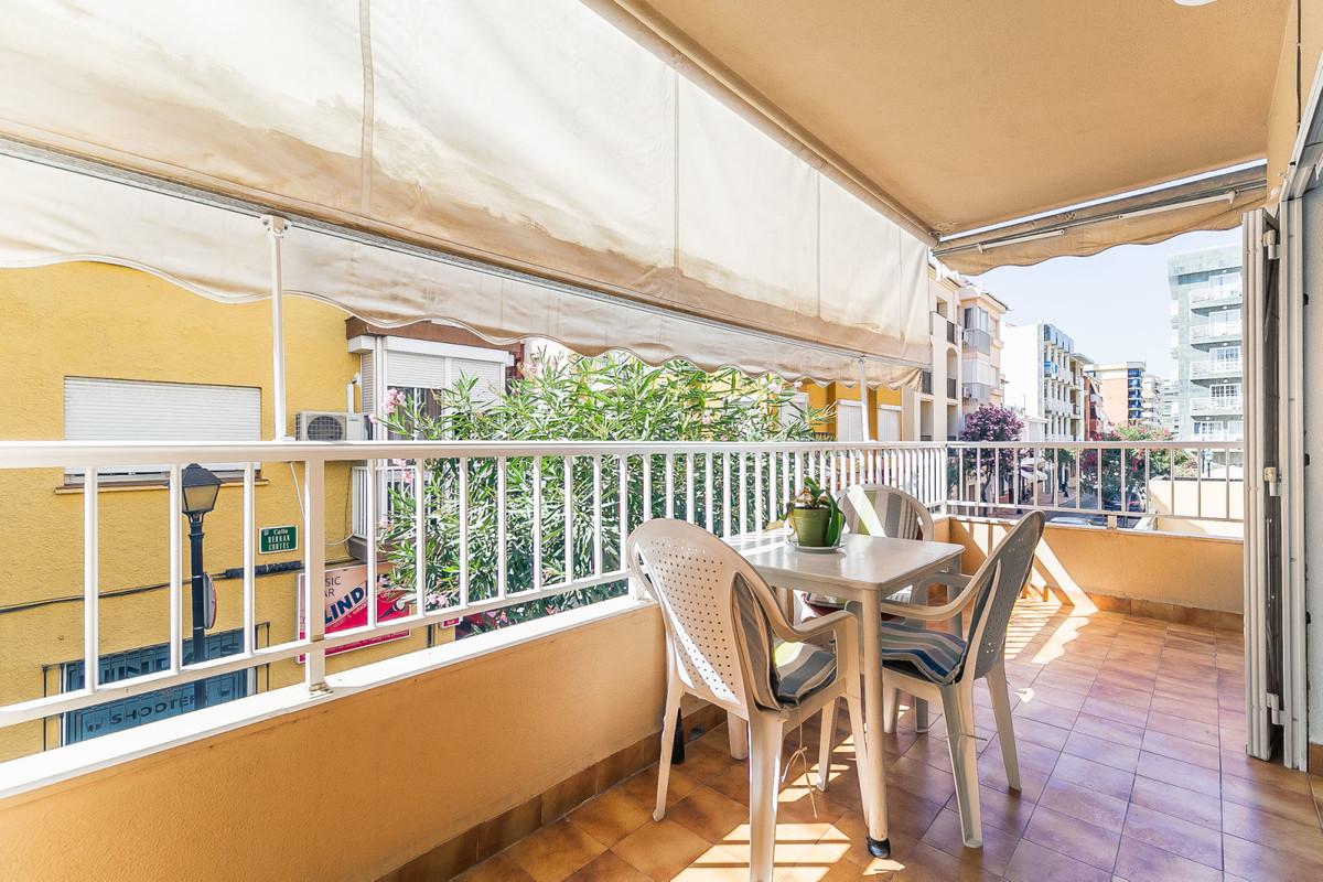 Middle Floor Apartment, Fuengirola, Costa del Sol. 3 Bedrooms, 2 Bathrooms, Built 110 m², Terrace 54,Spain