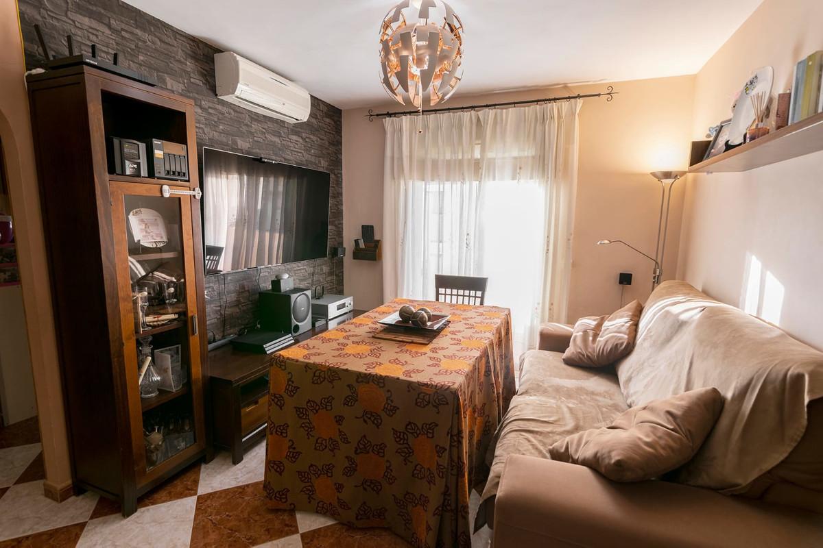 Middle Floor Apartment, Mijas Costa, Costa del Sol. 2 Bedrooms, 2 Bathrooms, Built 63 m², Terrace 3 ,Spain