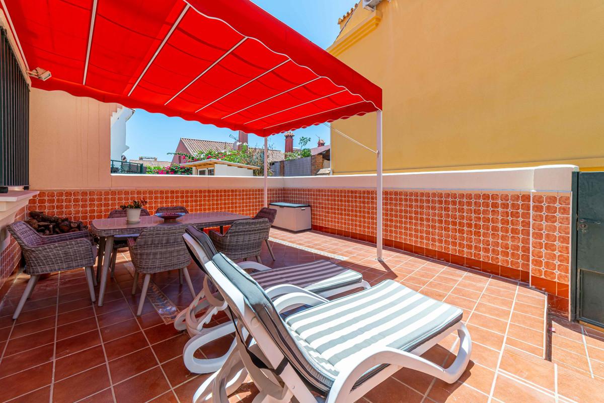 Townhouse, Los Pacos, Costa del Sol. 4 Bedrooms, 3 Bathrooms, Built 125 m², Terrace 25 m².  Setting ,Spain