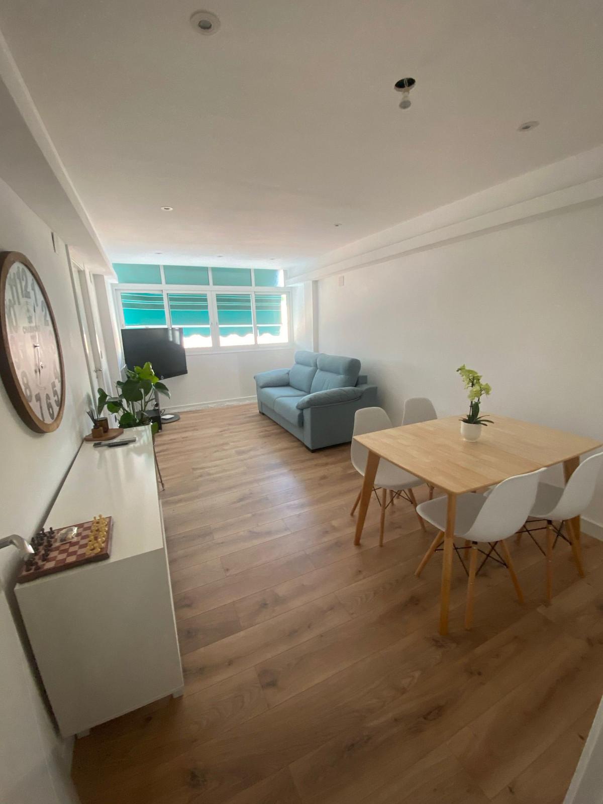 Middle Floor Apartment - Malaga Centro