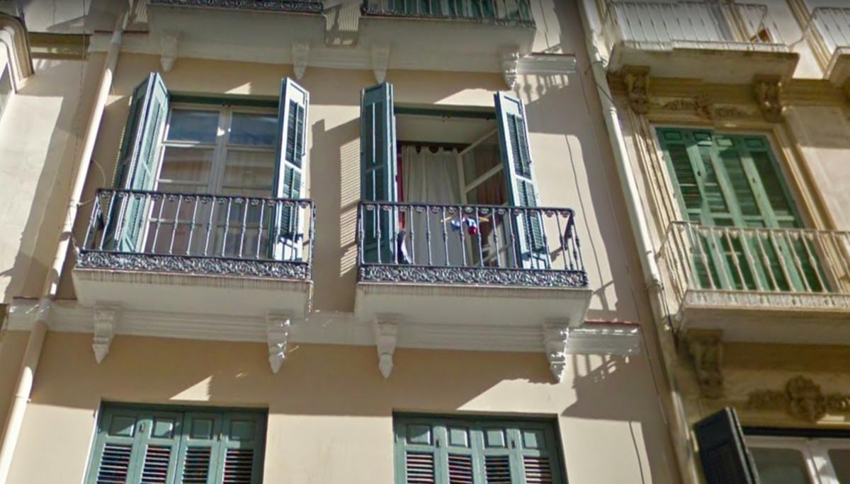 Middle Floor Studio, Malaga Centro, Costa del Sol. Built 45 m².  Condition : Good. Features : Lift, ,Spain