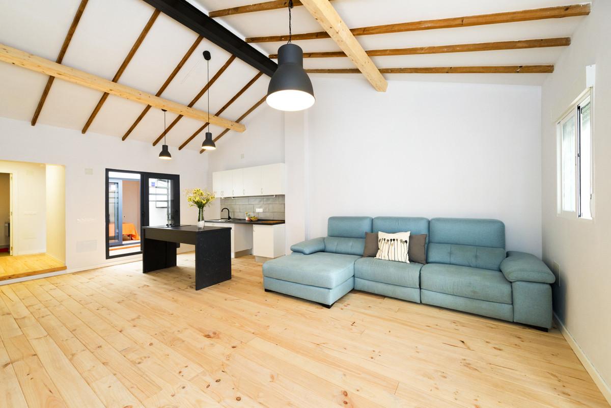 Rijhuis te koop in Málaga R3551281
