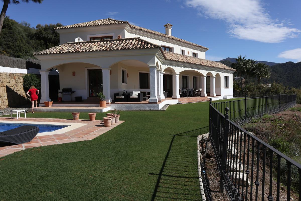 Villa  Detached for sale  and for rent  in Benahavís
