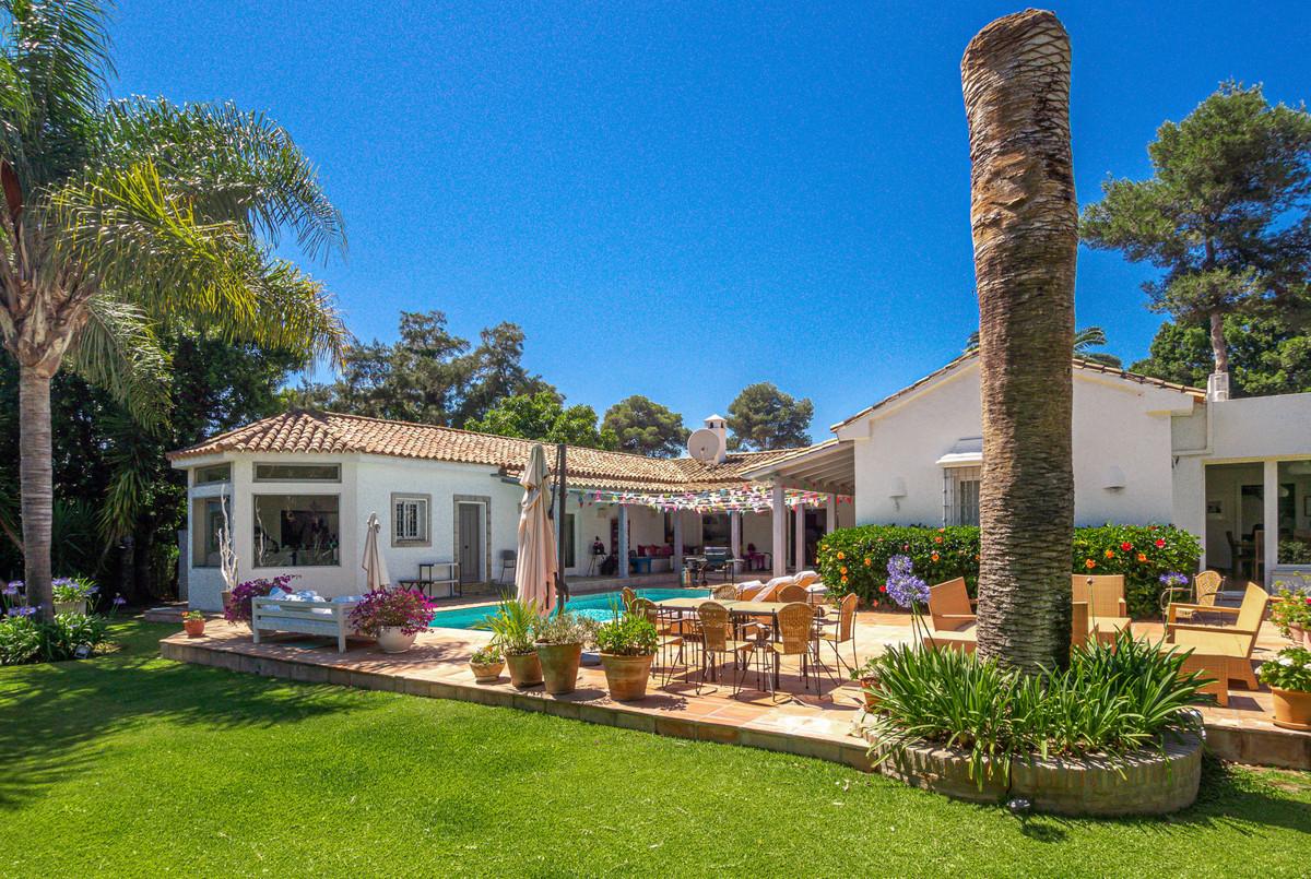 Villa  Detached for sale   in Sotogrande Costa