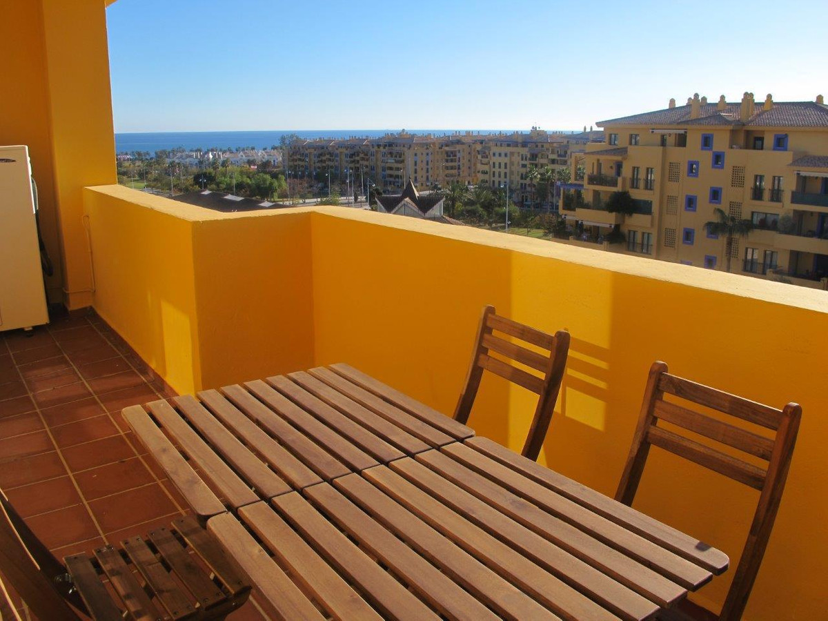 Three bedroom penthouse apartment in the Los Almendros complex in Nueva Alcantara, San Pedro beachsi,Spain