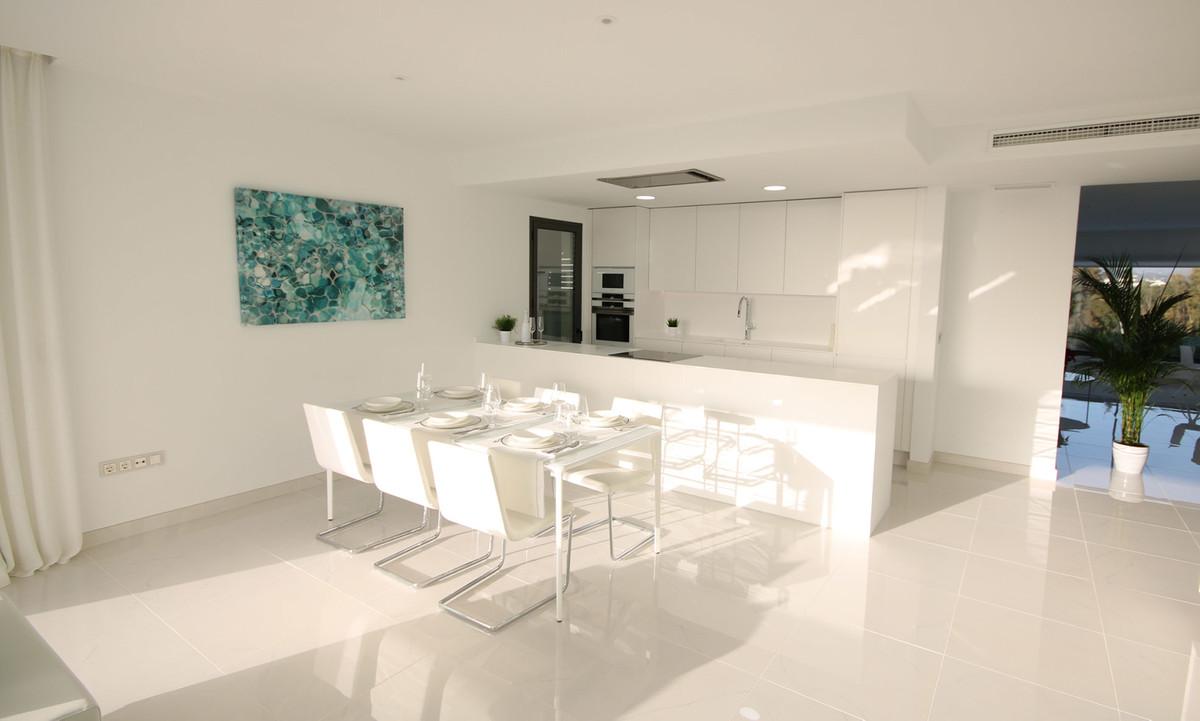 Apartment Middle Floor Atalaya Málaga Costa del Sol R3398425 6