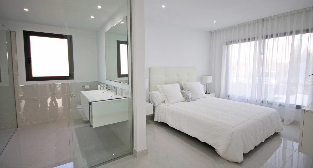 Apartment Middle Floor Atalaya Málaga Costa del Sol R3398425 7