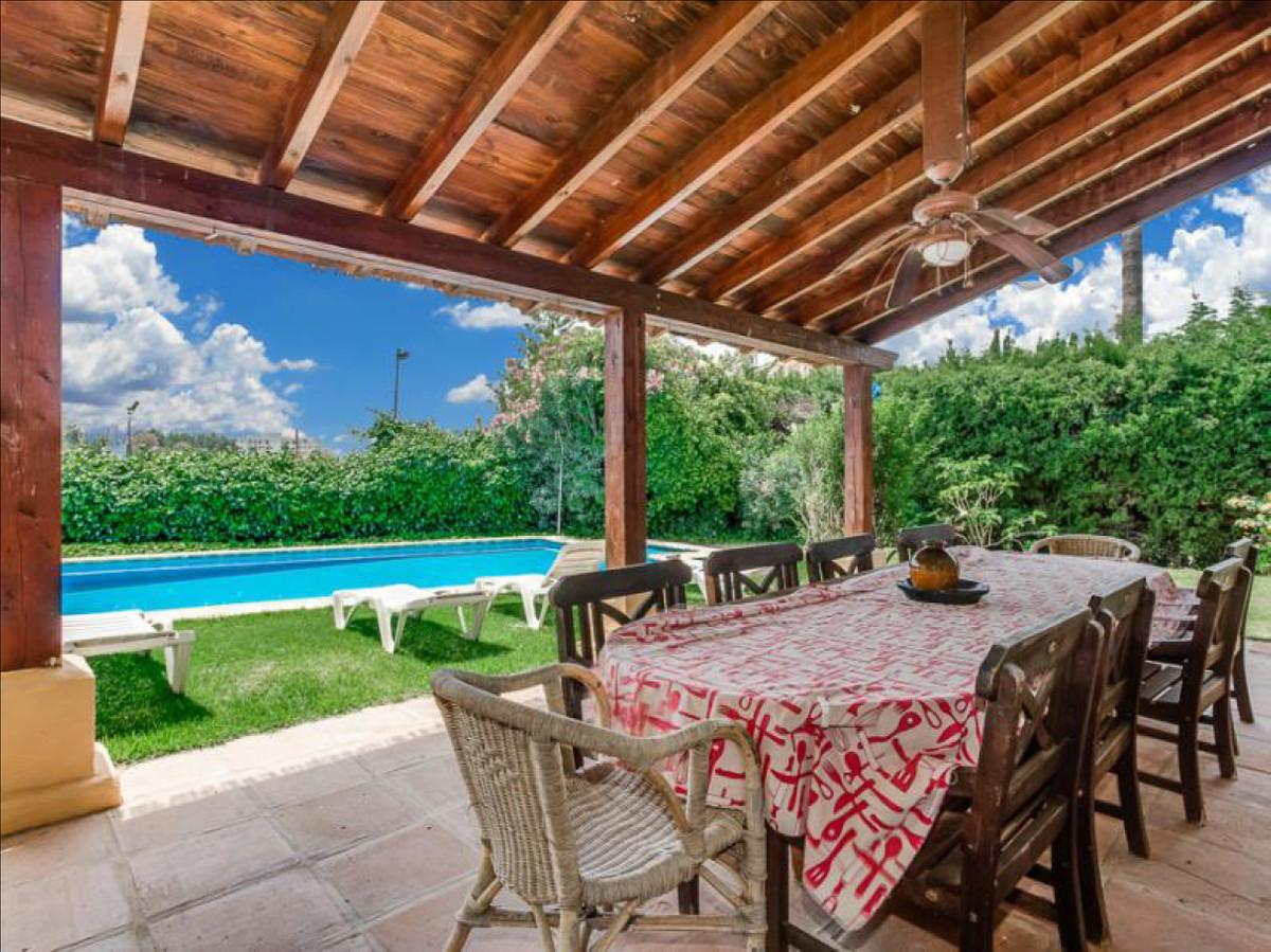 Fritliggende Villa i Valle del Sol R2940383