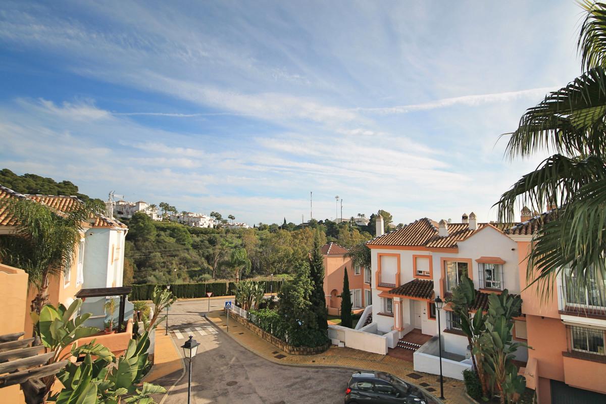 Reihenhaus Stadthaus in Nueva Andalucía R3319831