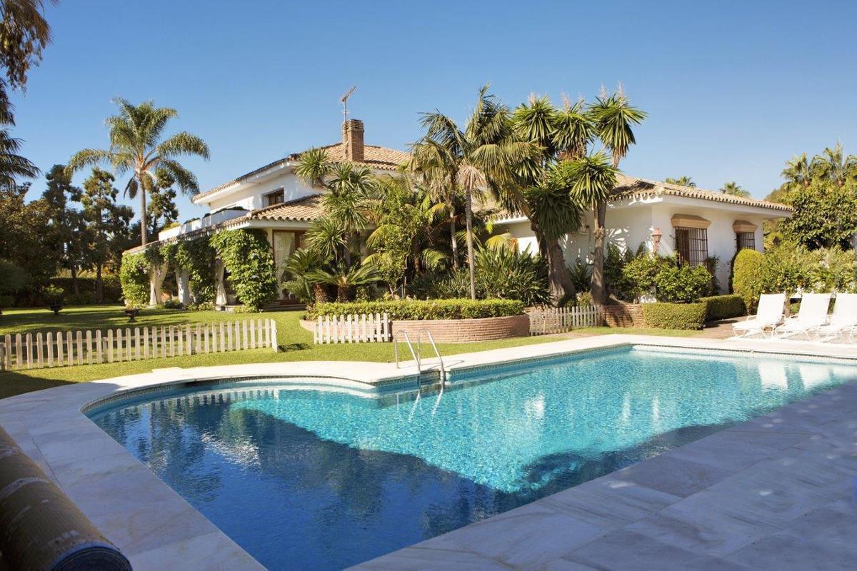 R2954504 Villa Guadalmina Baja, Málaga, Costa del Sol