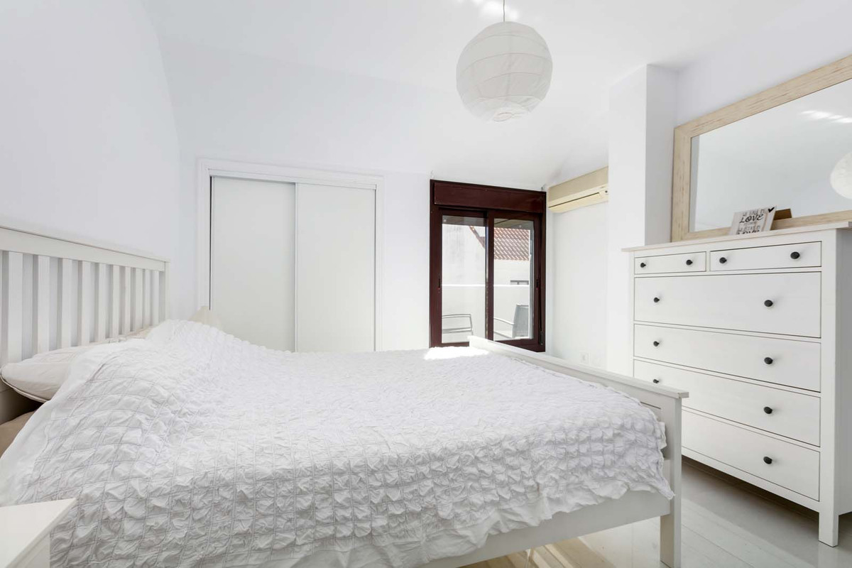 Spacious, fully refurbished penthouse duplex in La Maestranza, closed development with 24 hours secu,Spain
