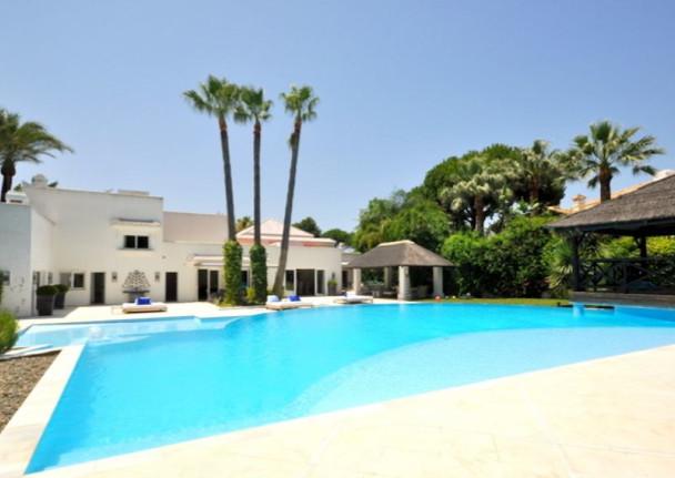 Villa / Property Altos de los Monteros