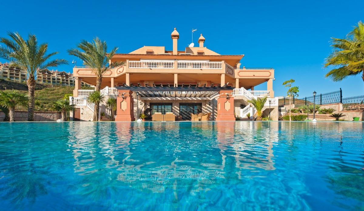 Villa / Property La Cala de Mijas