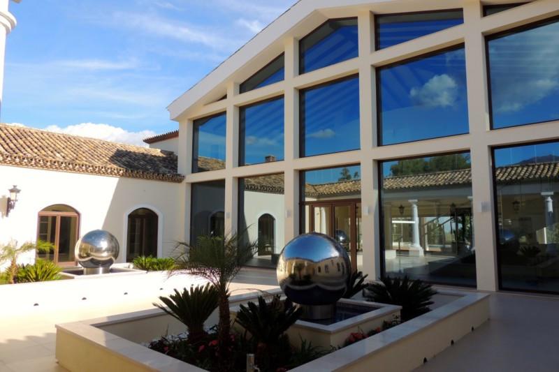 Villa / Property for Sale in Benahavís, Spain