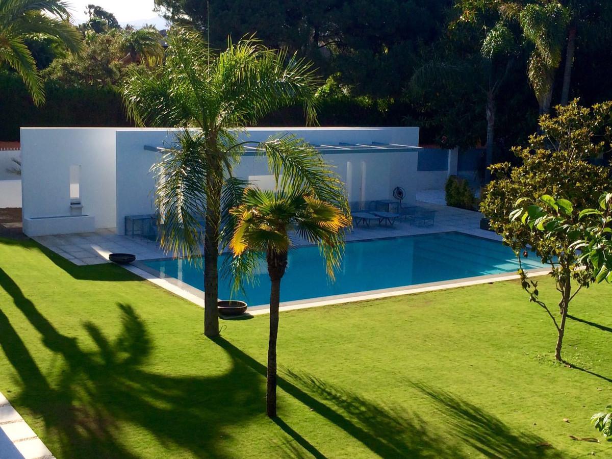 Villa / Property for Sale in Guadalmina Baja, Spain