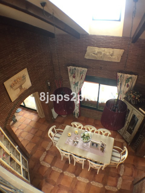 Villa / Property for Sale in Estepona, Spain