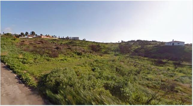 Villa / Property for Sale in Selwo, Spain