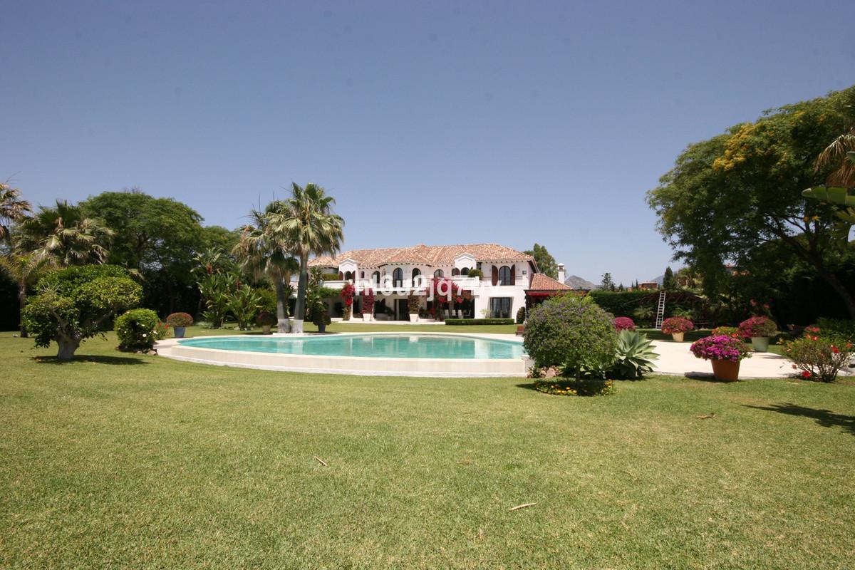 Villa / Property El Paraiso