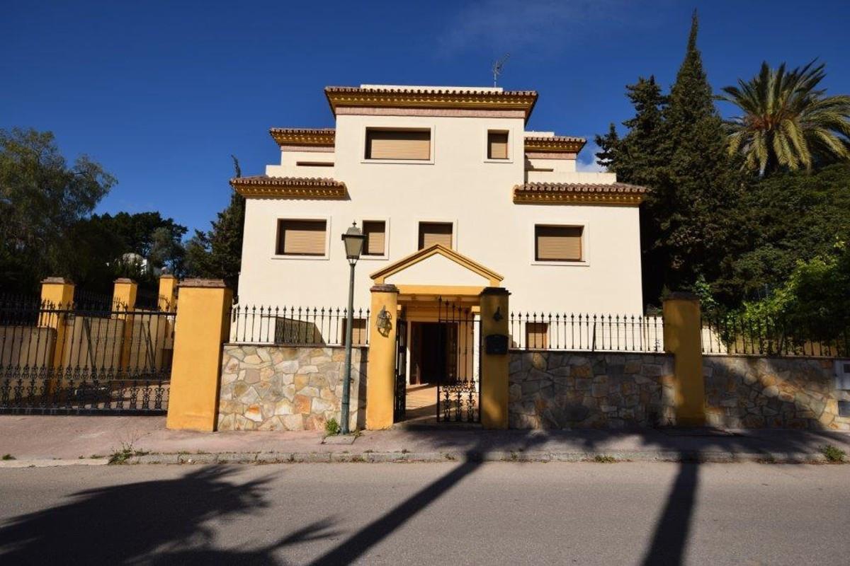 Luxury Villa / Property for sale Atalaya Spain