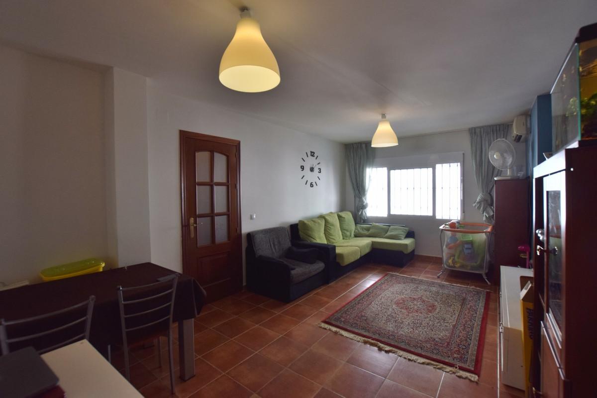 Ground floor Apartment located in Fuengirola, in the Avenida de Mijas area and close to the border w,Spain