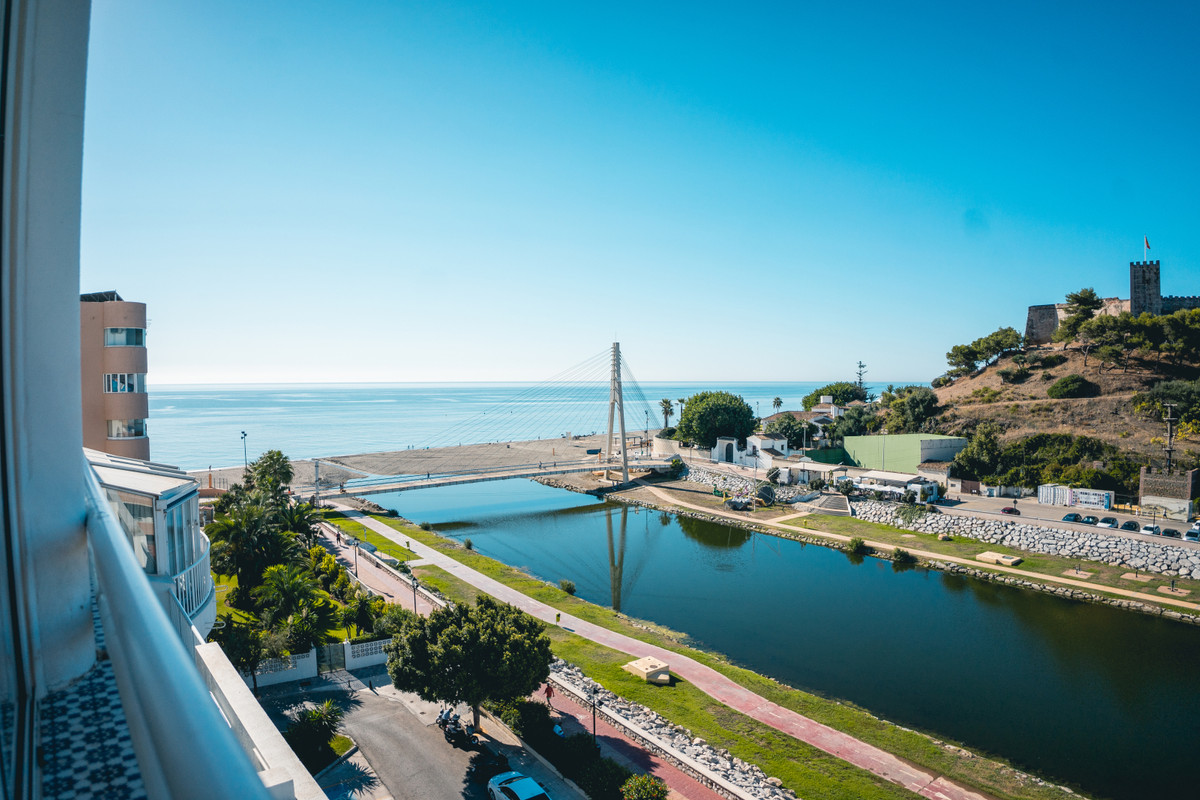 Prime location! Duplex penthouse located in Fuengirola Within walking distance to all amenities, bea,Spain