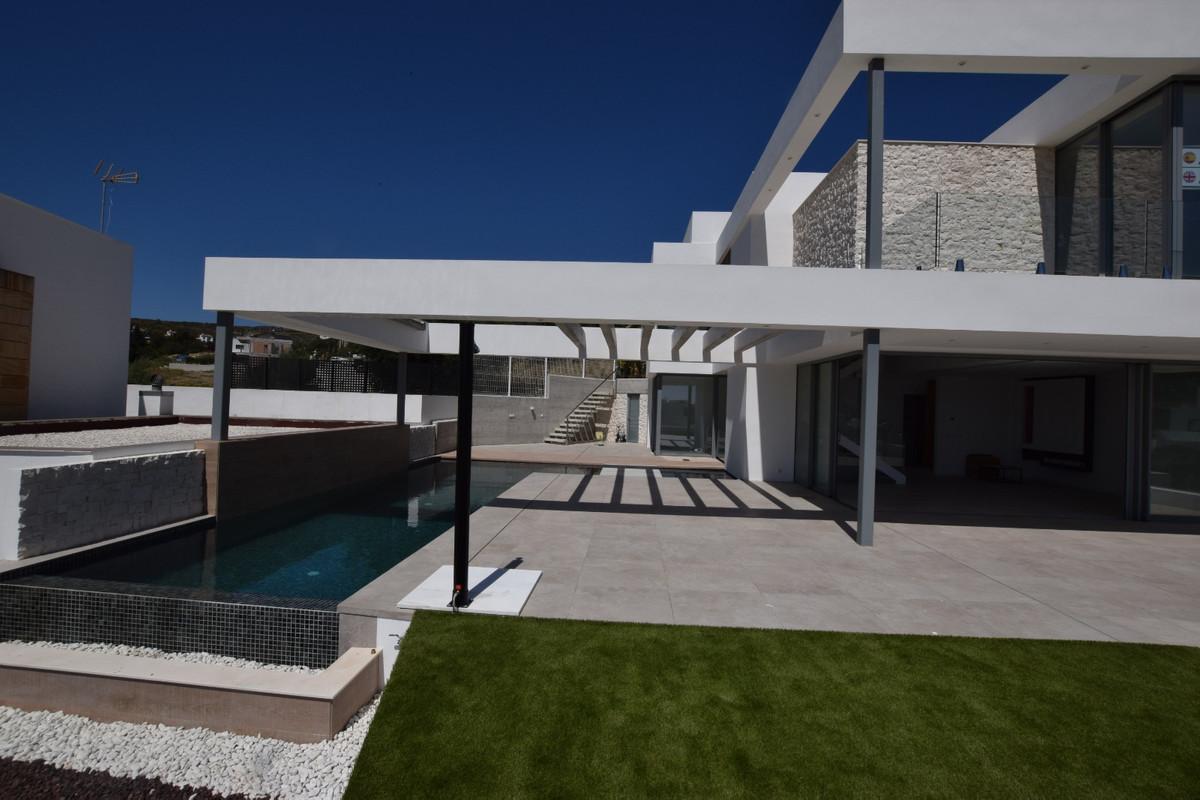 Brand New Contemporary Villa ready to move in!! Located in Mijas Costa, in the area of Cerros de Agu,Spain