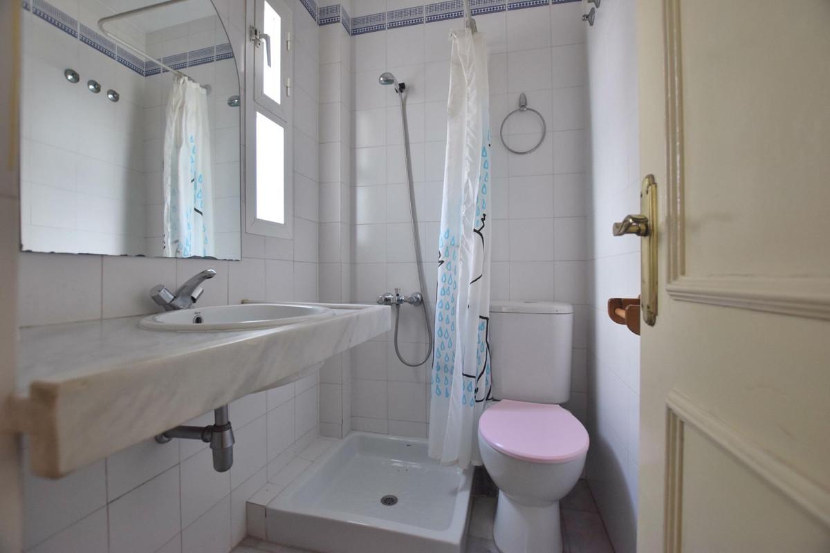 Unifamiliar con 2 Dormitorios en Venta Benalmadena Costa