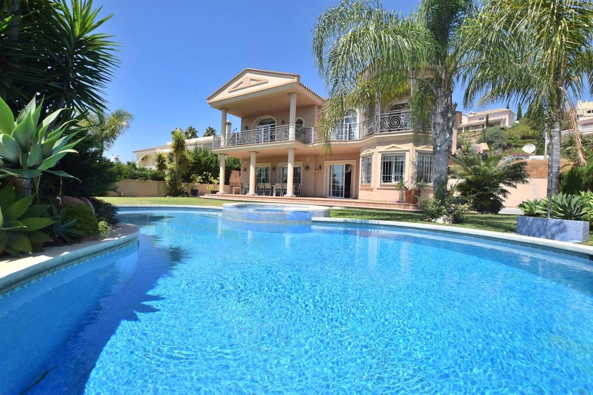 Detached Villa for sale in Mijas Golf R2785388