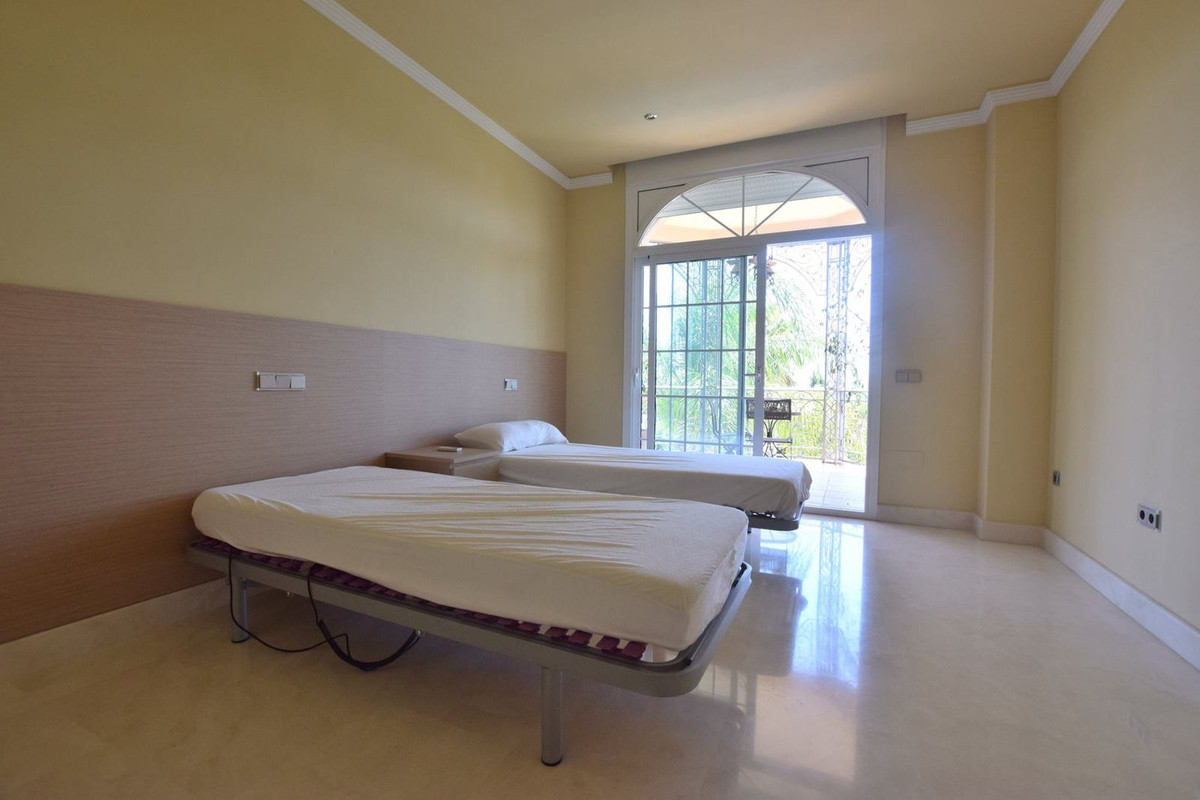 House in Mijas Golf R2785388 22