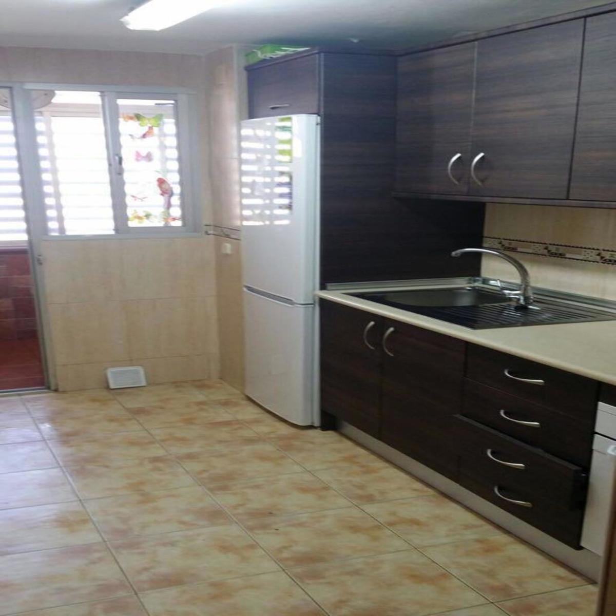 IBI; 350€ / per year    Community Fee: 40€ / per month  Apartament located in Centre 3 bedrooms 1 ba,Spain