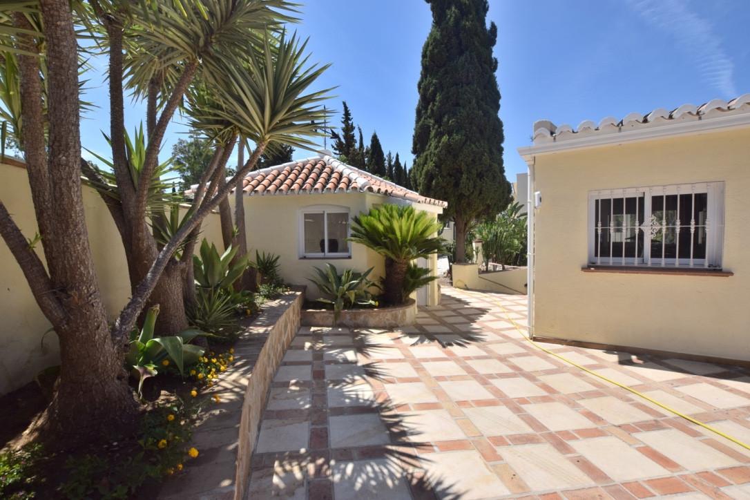Villa con 5 Dormitorios en Venta Campo Mijas