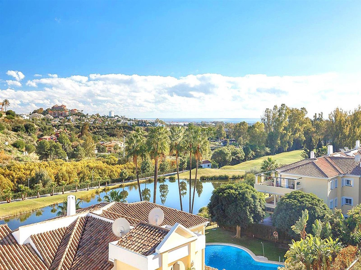 A luxury, spacious, 2-bedroom, 2-bathroom penthouse located in the exclusive La Quinta Golf Resort. ,Spain