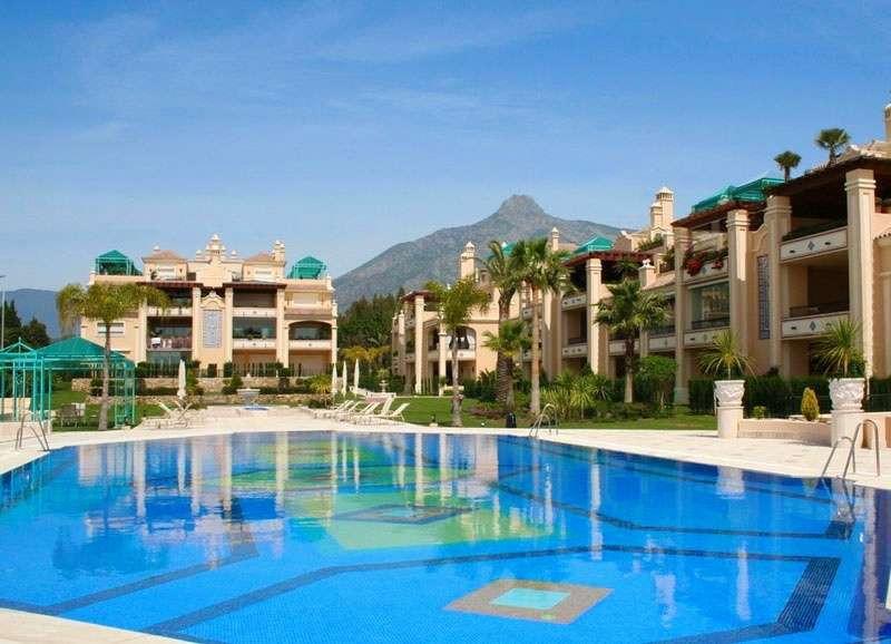 Lomas de Sierra Blanca - The Golden Mile.  Luxurious ground floor apartment.  4 spacious bedrooms wi,Spain