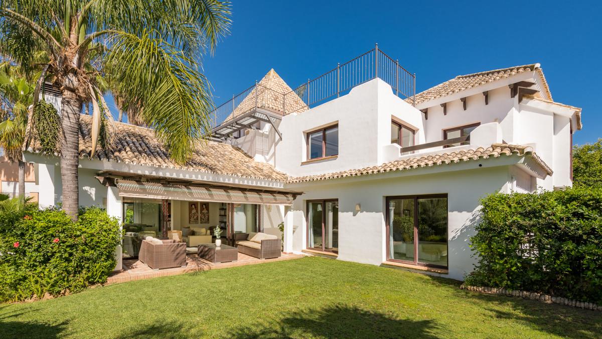 Detached Villa for sale in Marbella R3922615