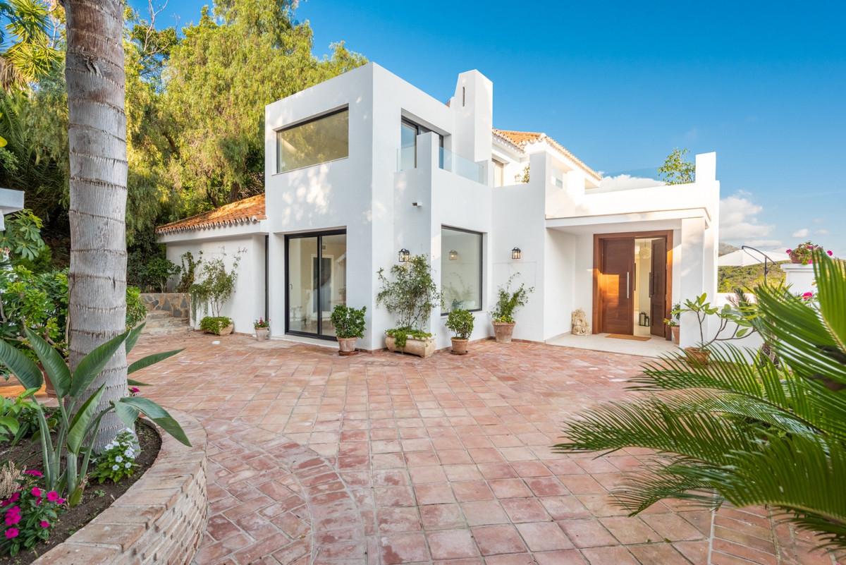 Detached Villa for sale in Nueva Andalucía R3847072