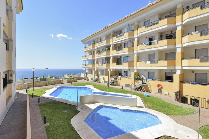 Apartment Middle Floor Benalmadena Málaga Costa del Sol R2441969