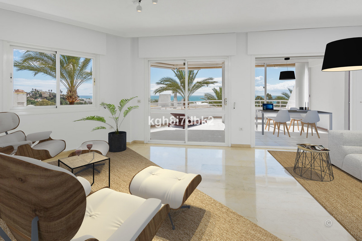 Spacious 3 bed apartment in gated urbanization surrounded by the Torrequebrada golf course. PanoramiSpain