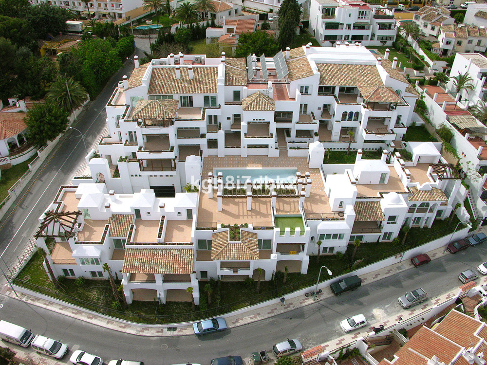 Ground floor apartment in exclusive urbanisation 700 meters from Playa Carihuela.  Includes 2 parkin,Spain