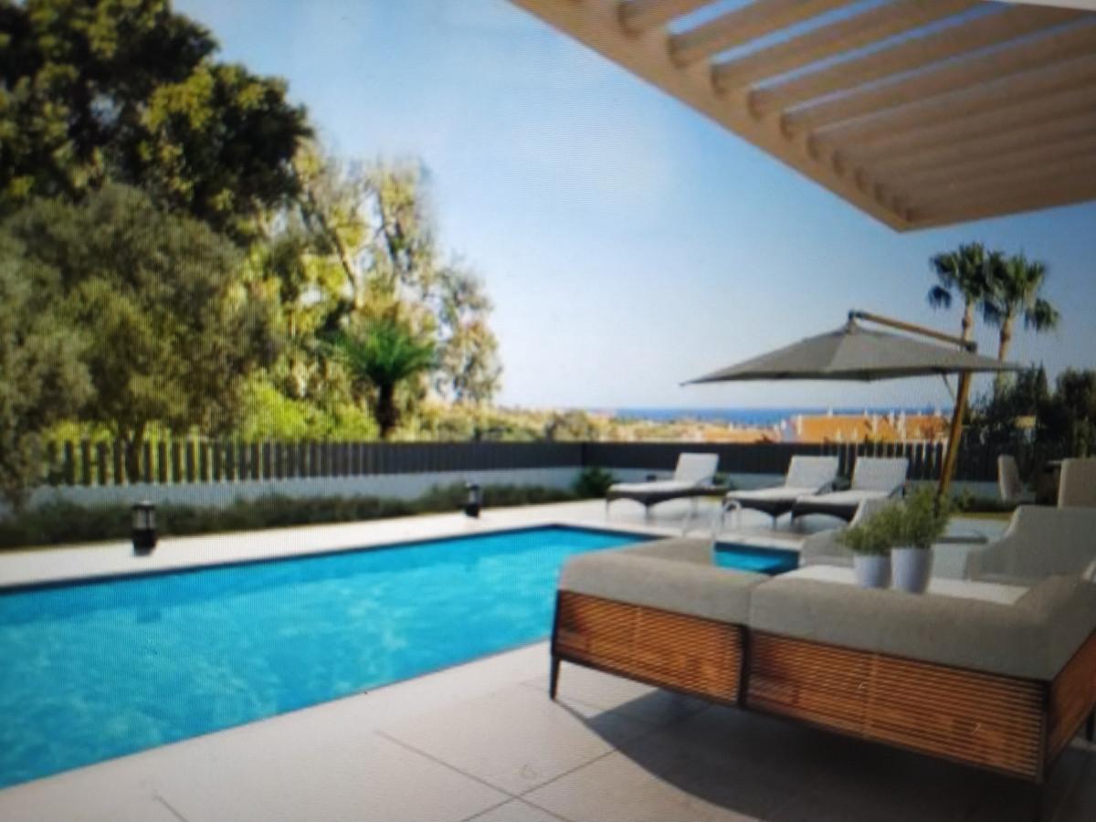 Detached Villa for sale in Nueva Andalucía R3556081