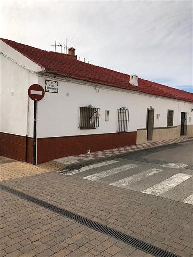 Cancelada-  Small terraced one bedroom home in the heart of this lovely little village.  The house h,Spain