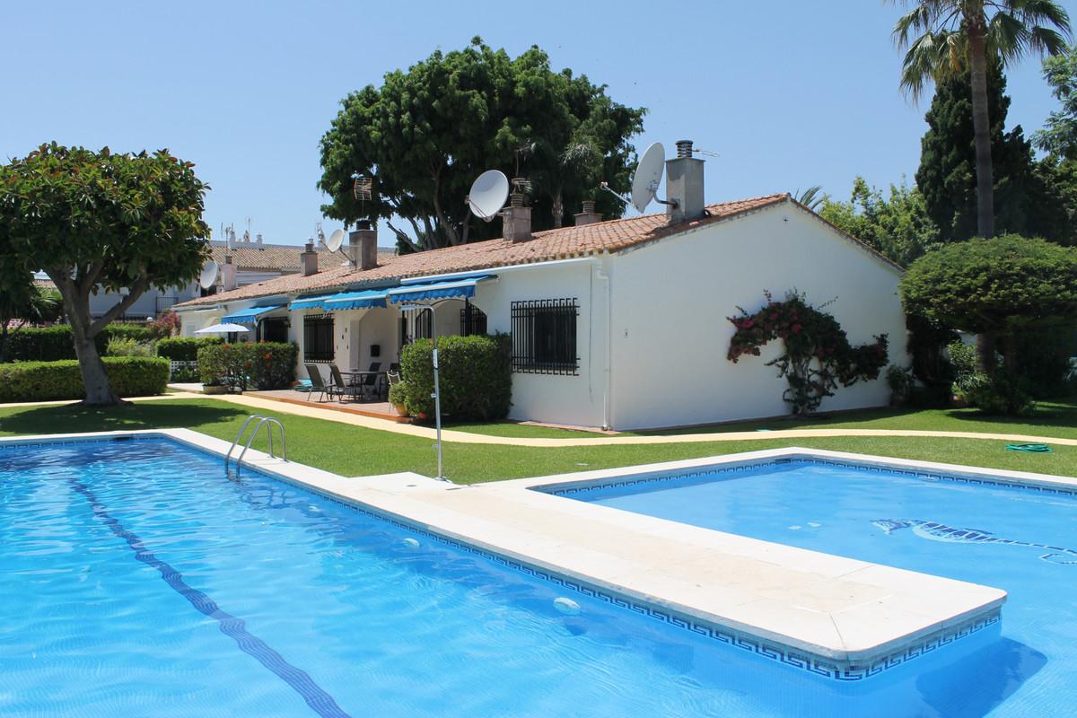 Villa, Detached  for sale    en San Pedro de Alcántara