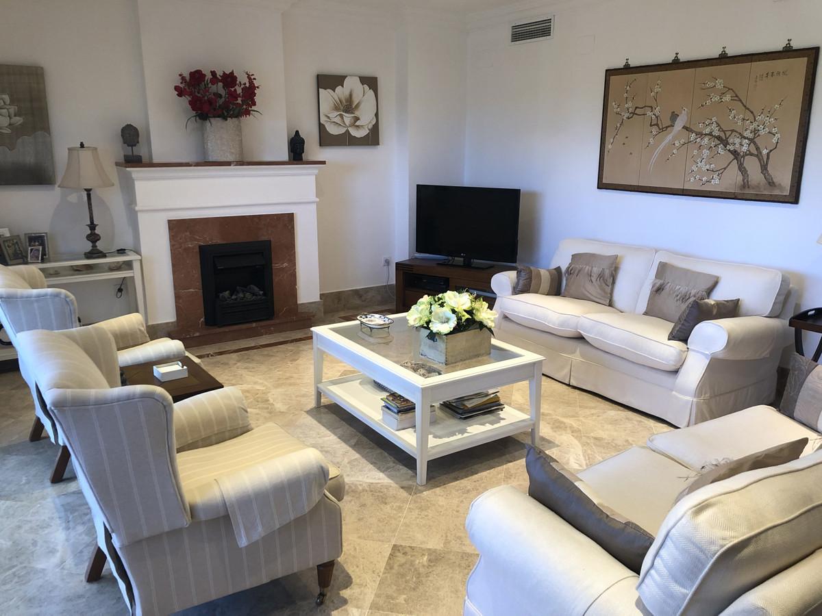 Rijhuis te koop in Santa Clara R3421576