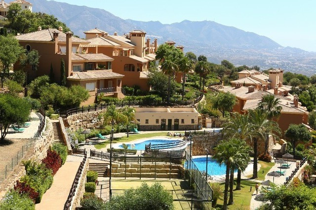 Townhouse for sale in Elviria R3307585