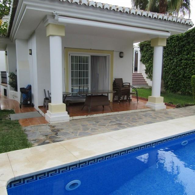 Villa 3 Dormitorios en Venta Miraflores